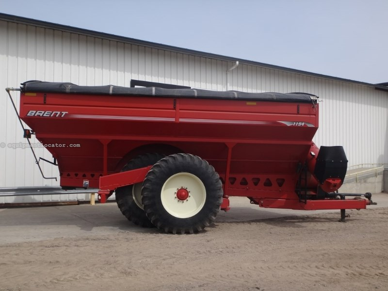 "2009 Brent 1194, 1000 PTO, 20"" Auger Diam, Hyd Aug Fold, Tarp Grain Cart For Sale"