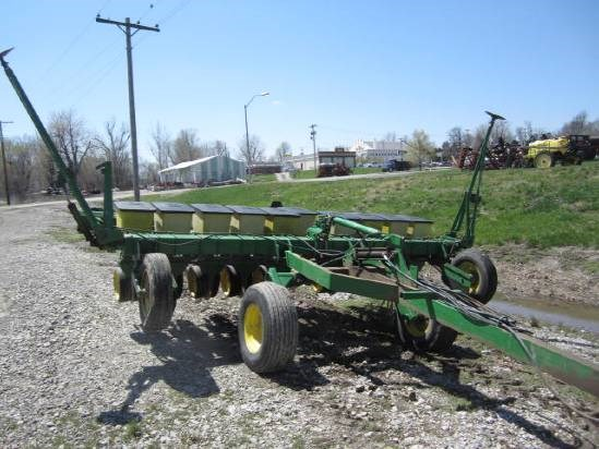 John Deere 7100 10RN Planter For Sale At