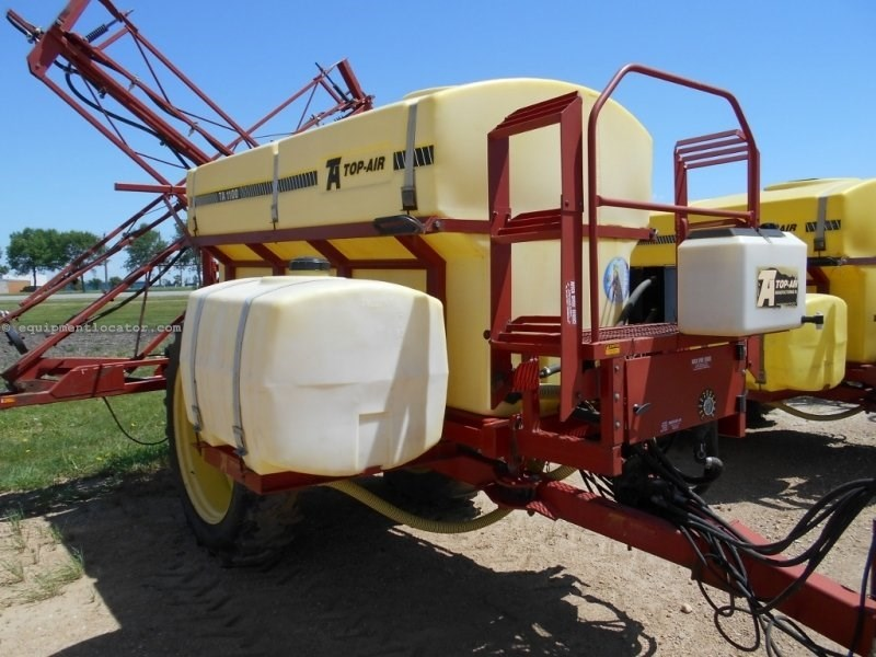 Top Air 1100, 60', Pull Type, 1100 Gallons Sprayer-Pull Type For Sale