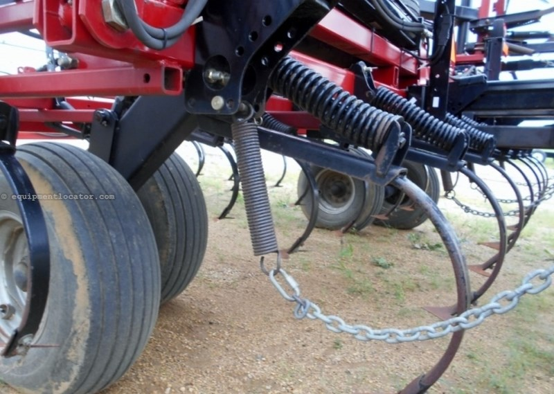 "2009 Case IH T200, 50', 6"" Spacing, Coil Tine Harrows, Sweeps Field Cultivator For Sale"
