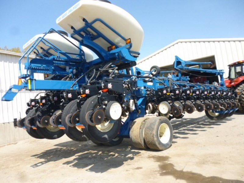 2012 Kinze 3800, 24R30, 2 Pt Hookup, Finger Meter, Whippers Planter For Sale