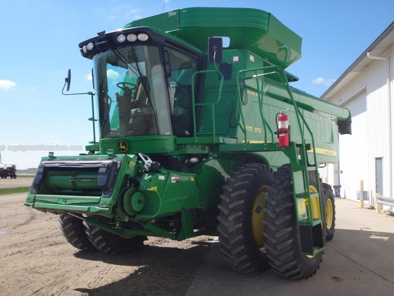 2009 John Deere 9670, 1232 Sep Hr, Hi Capacity Unload, RT,Chopper  Combine For Sale