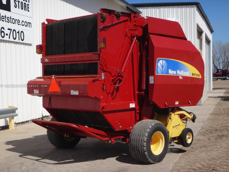 2011 New Holland BR7090, 8065 Bales, Belt Type, Net Surface Wrap  Baler-Round For Sale