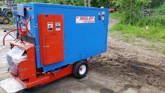 2013 Rissler TMR450 MIXING CART TMR Mixer For Sale at