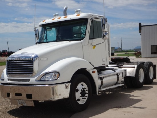 2006 Freightliner Columbia TT, 361918 Mi, 13 spd, AC, Cruise Tractor Truck For Sale