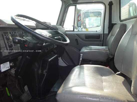 2001 International 4700, 243778 Mi, AC, Cruise, PS, PTO, Power Brakes Service Truck For Sale