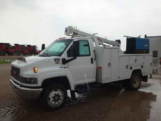 2005 GMC C5500, 129850 Mi, Automatic, Tilt, Cruise, AC, PS Service Truck For Sale