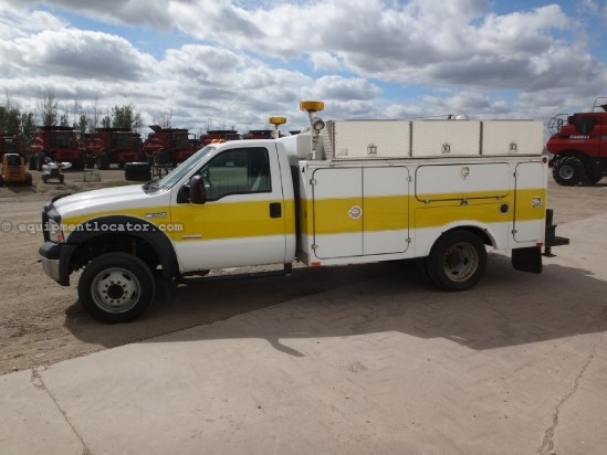 2006 Ford F550 XL, AC, PB, Heated Mirrors, Manual Outriggers Service Truck For Sale