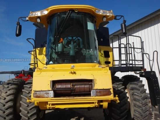 2007 New Holland CR9060,1269 Sep Hr,4WD, Chopper, Spreader, Bin Ext Combine For Sale