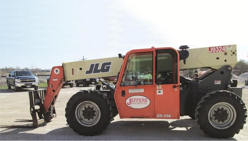 2005 JLG G9-43A Image 1