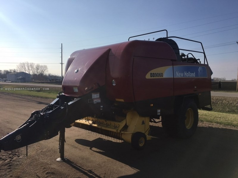 2009 New Holland BB9060, 21081 Bales, Monitor, Counter, Hyd PU Lft  Baler For Sale