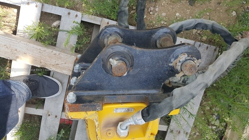 "2012 Atlas Copco SBU220, Skidsteer Carrier, 494 lbs,2.56"" Tool Diam Hammer-Concrete For Sale"