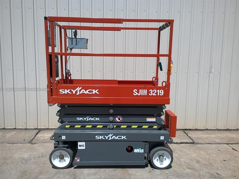 2016 Skyjack SJIII3219 Image 1