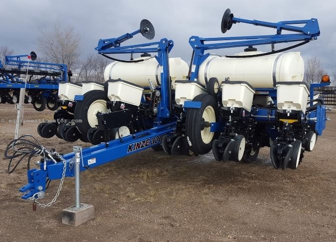 2013 Kinze New Aged 3200 12r30 Liq Fert Markers Planter For Sale