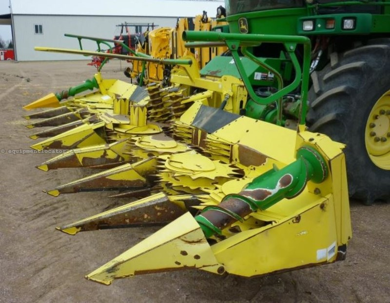 2006 John Deere 688 Forage Head-Row Crop For Sale
