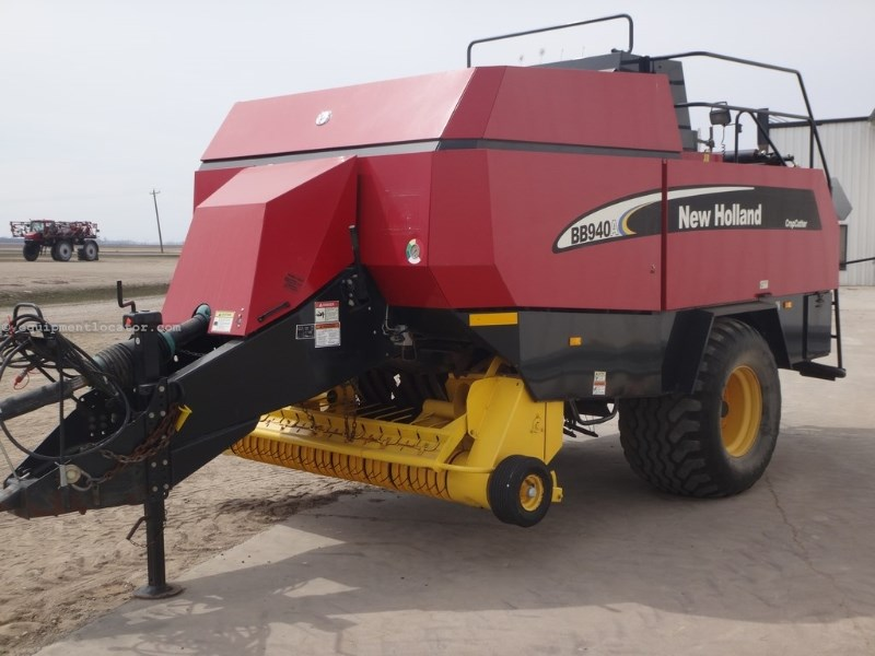 2007 New Holland BB940A, Big Square, Hyd PU Lift, Hyd Dbl Wrap Baler-Big Square For Sale