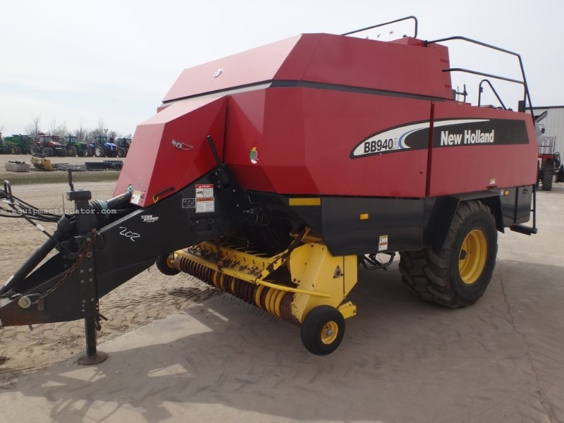 2003 New Holland BB940A, 1418 Hr, Fork-Type Stuffer, 4 Dble-Knot Baler-Big Square For Sale