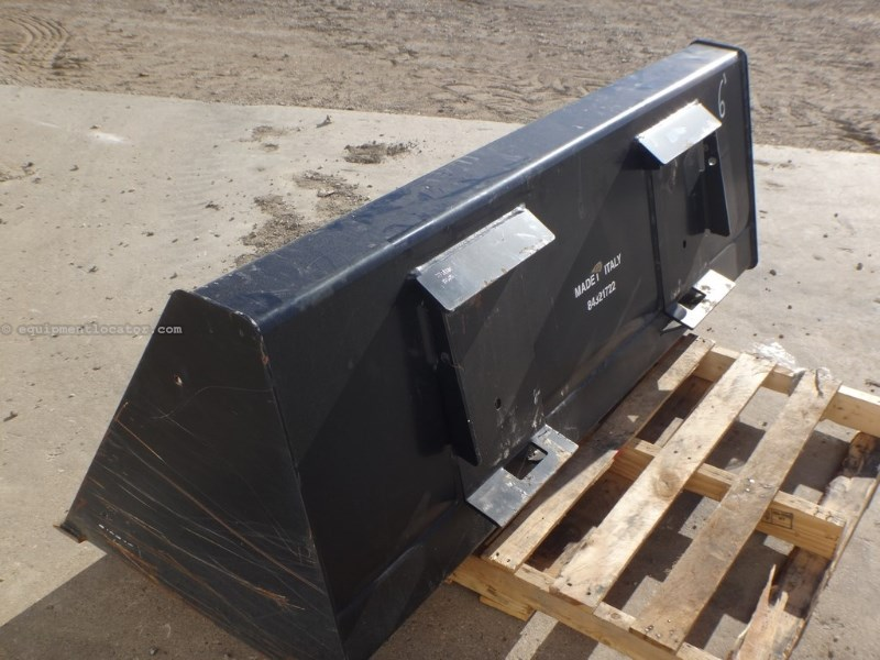 "N/A 84321722 72"" Snow/Light Material BKT Skid Steer Bucket For Sale"