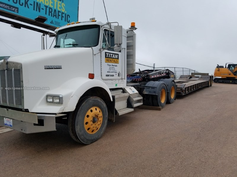 1997 Kenworth T800, Day Cab, Semi Tractor Tractor Truck For Sale