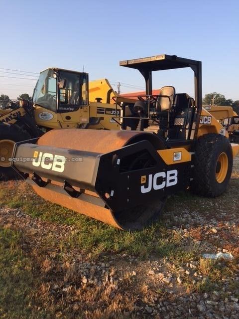2015 JCB VM117D Image 1