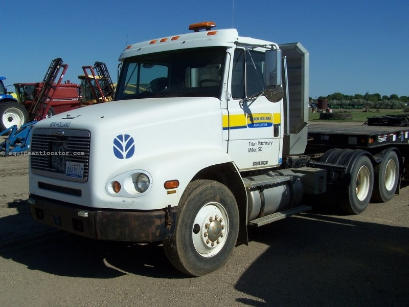 1999 Freightliner FL112 Conventional Tandem Axle Truck  Cab & Chassis For Sale