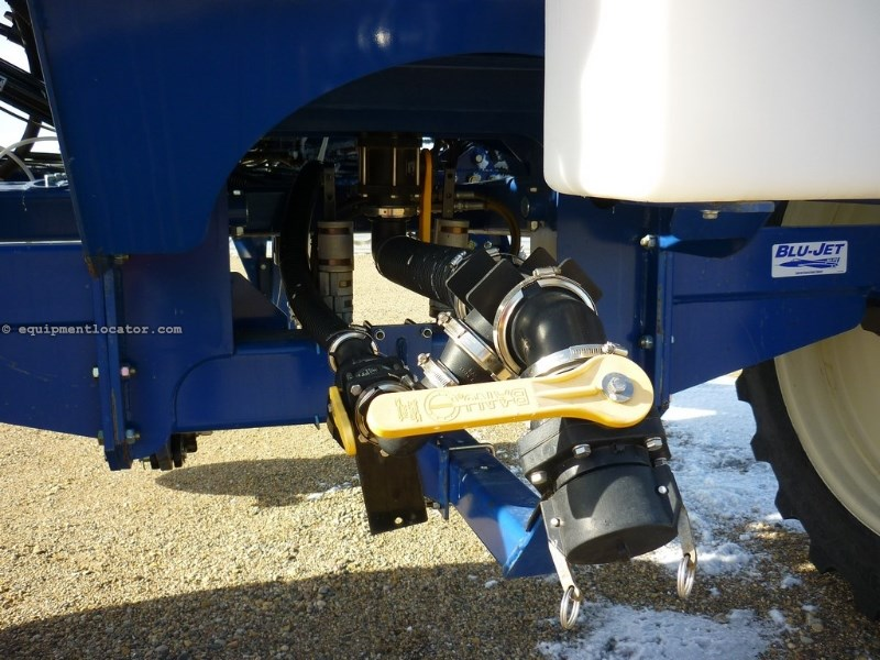 2014 Blu-Jet AT4610, Chain/Jack,Cat IV Pintle Hitch,Light Kit  Applicator For Sale