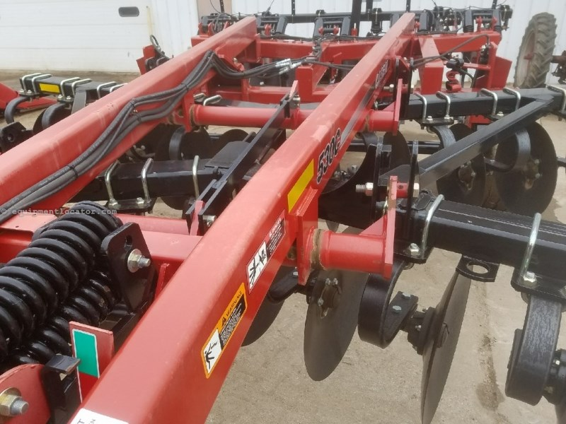 "2014 Case IH 530C, 12', 5 Shank, 22"" Discs Rippers For Sale"