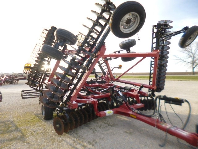 "2013 Case IH 330, 34', Cushion Gang, 8"" Spacing, 20"" Blades Disk Harrow For Sale"