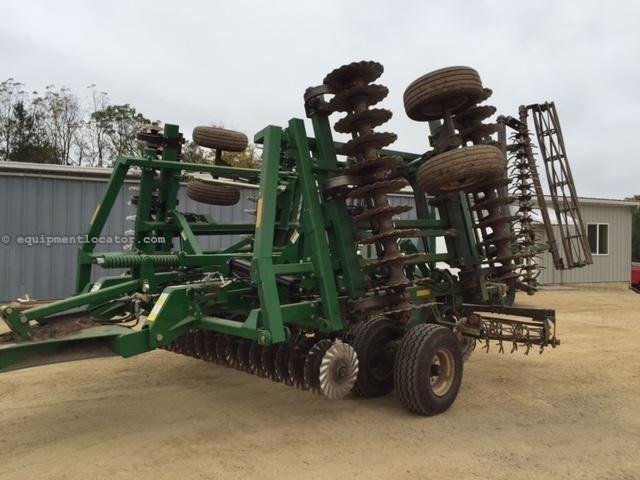 2017 Great Plains 2400TM Image 1