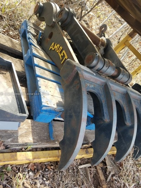 2008 Amulet AT, Fits Hyundai R360L Excavator Excavator Thumb For Sale