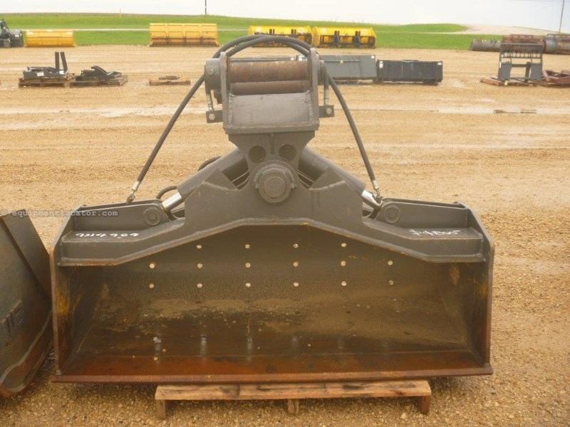 "2011 Dymax 72"" Bkt, Fits Hyundai R210W-9 Excavator  Excavator Bucket For Sale"