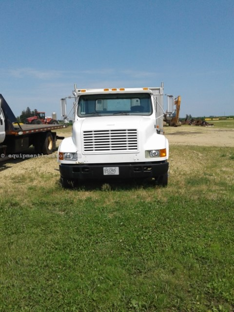 1999 International 4700, 211862 Mi, Steel Whls, Toolbx, Manual Trans Flatbed/Flatbed Dump For Sale