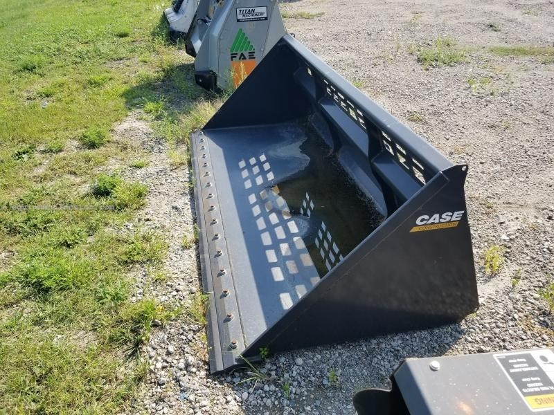 "2014 Case 96SS, 96"" Width, Skid Steer Coupler Skid Steer Bucket For Sale"