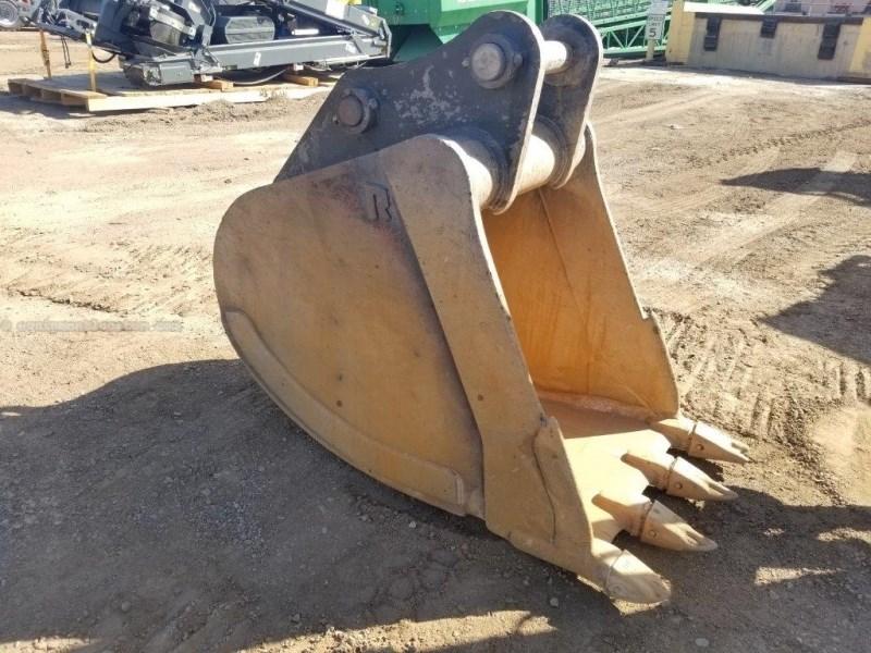 2014 Rockland EB55, 36 Inch Width, Fits Case CX300 Excavator Bucket a La Venta