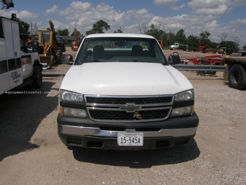 2006 Chevrolet 1500, 156956 Mi, 4WD, 8 Cyl, Automatic, Cruise Pickup Truck For Sale