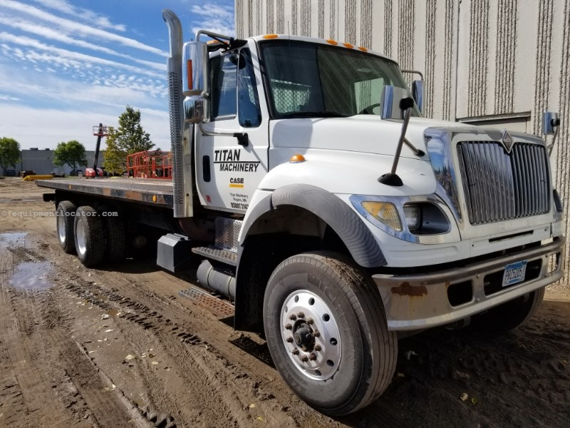 2005 International 7600, 291637 Mi, Std 10 Spd, PTO, Winch, Diesel Roll Off Truck For Sale