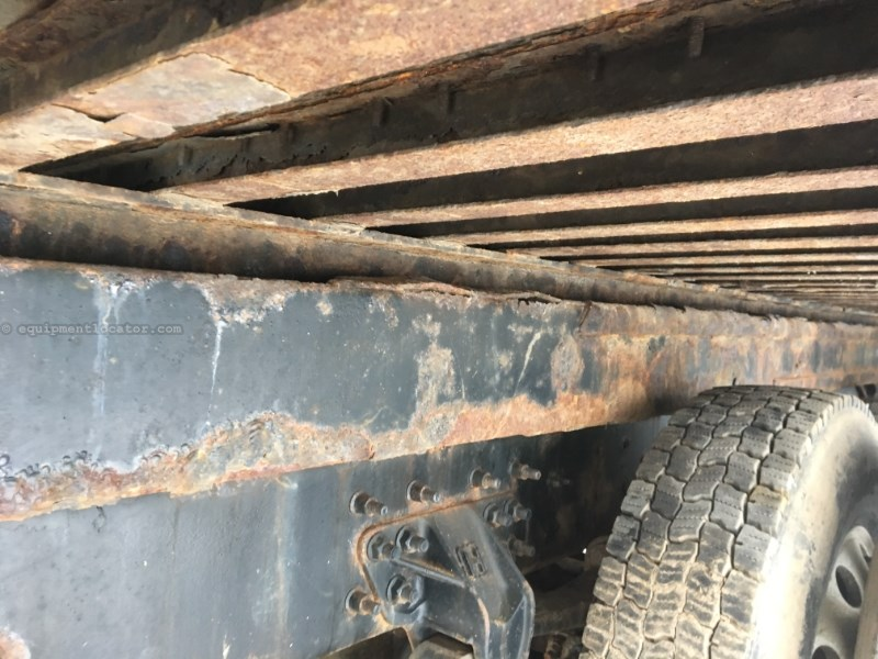 2005 International 7600, 291637 Mi, Std 10 Spd, PTO, Winch, Diesel Roll Off Truck For Sale