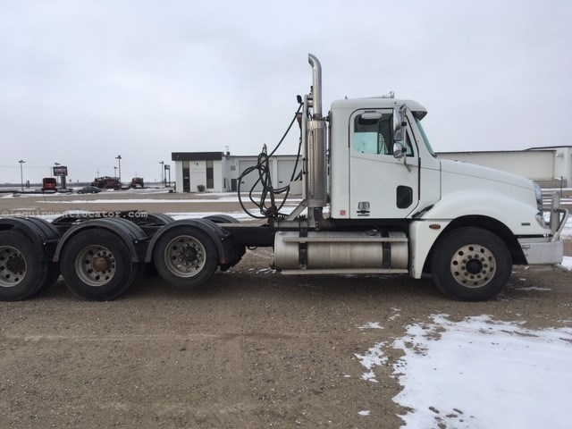 2006 Freightliner Columbia, 203793 Mi, PS, Man Trans, AC, P Windows Tractor Truck For Sale