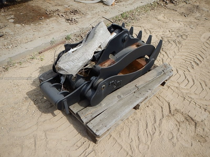 2013 Wain-Roy GRAPPLE, Fits CX55, Qk Cpler, 40MM Pin Excavator Attachment For Sale