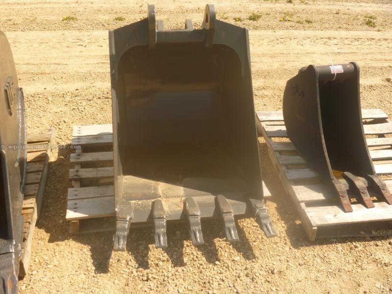 """2015 Case 30BHOEm Fits Case 580SN and 590SN Backhoes, 30"""" W Loader Backhoe Bucket For Sale"""