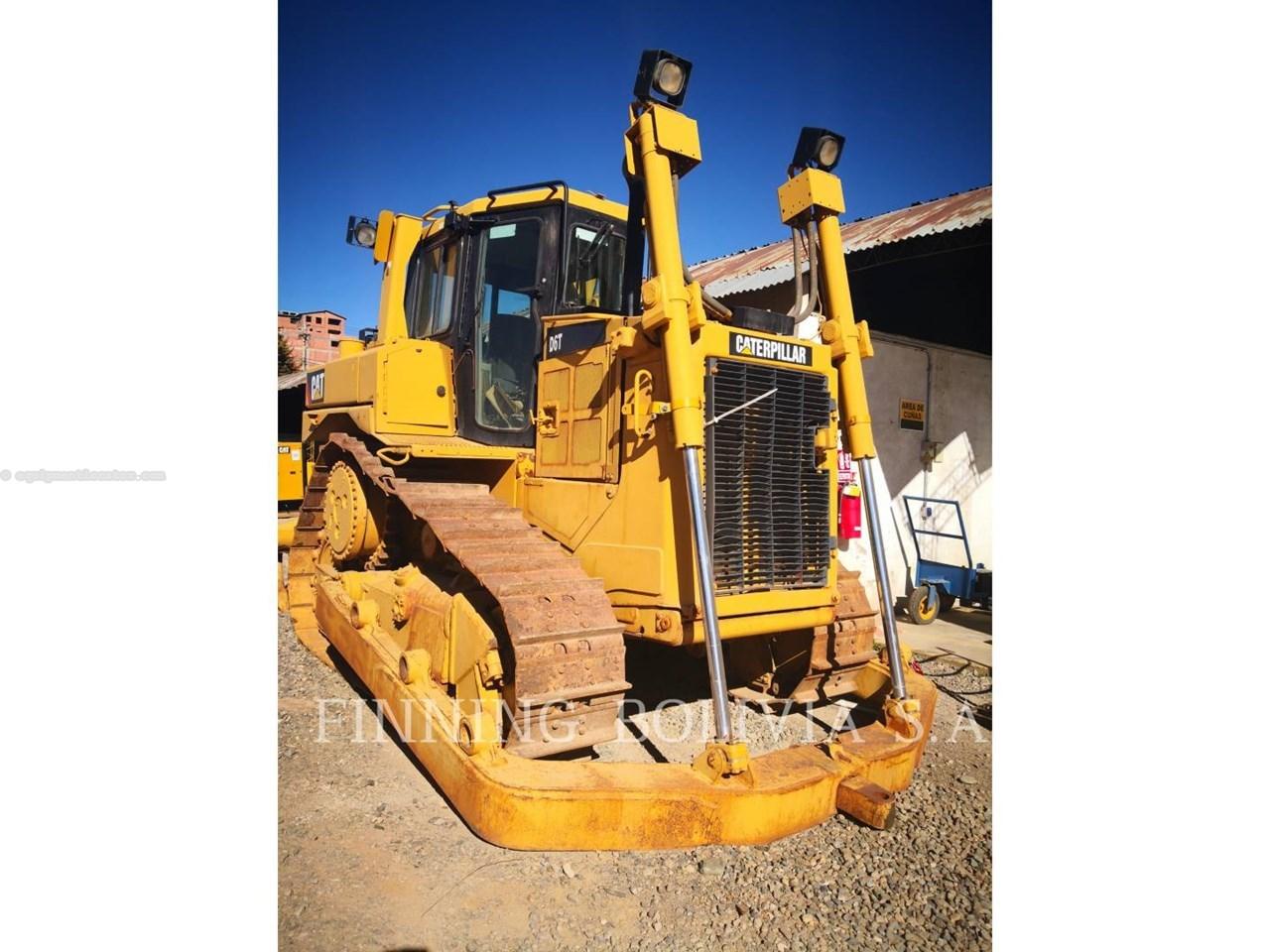 2010 Caterpillar D6T Image 1