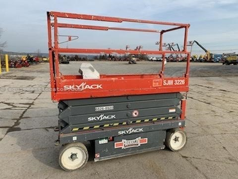 2014 Skyjack SJIII3226 Scissor Lift For Sale