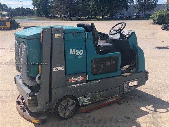 2010 Tennant M20 Street Sweeper For Sale