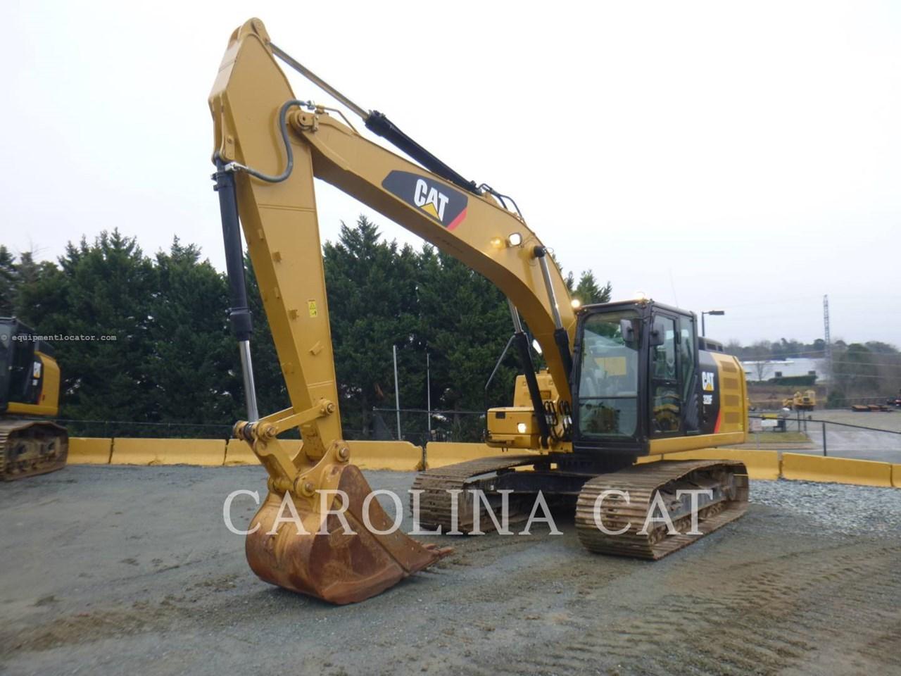 2017 Caterpillar 320FL Image 1