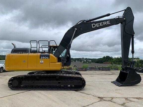 2019 John Deere 250G LC Image 1