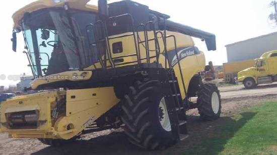 2005 New Holland CR970 Combine For Sale