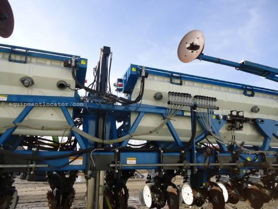 2002 Kinze 3650 Planter For Sale