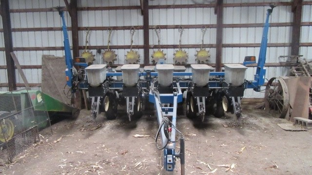 1999 Kinze 2000 6 11 Planter For Sale At Equipmentlocator Com