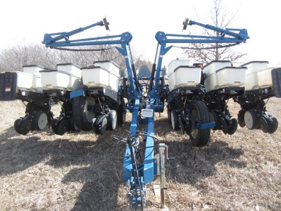 2008 Kinze 3200 12rn Planters For Sale At Equipmentlocator Com